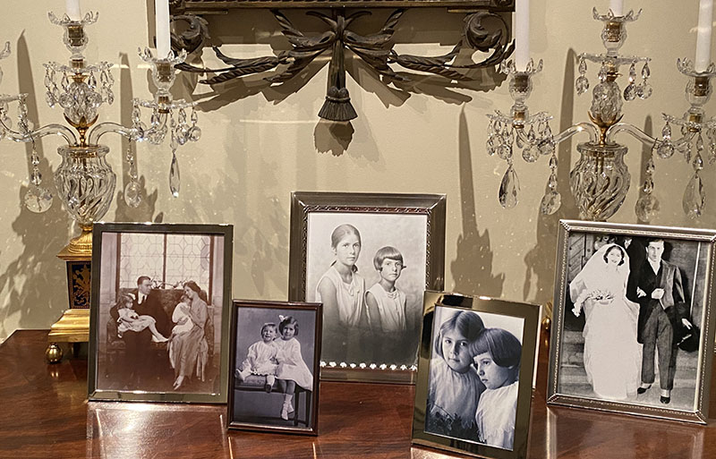 The du Pont family had two daughters.